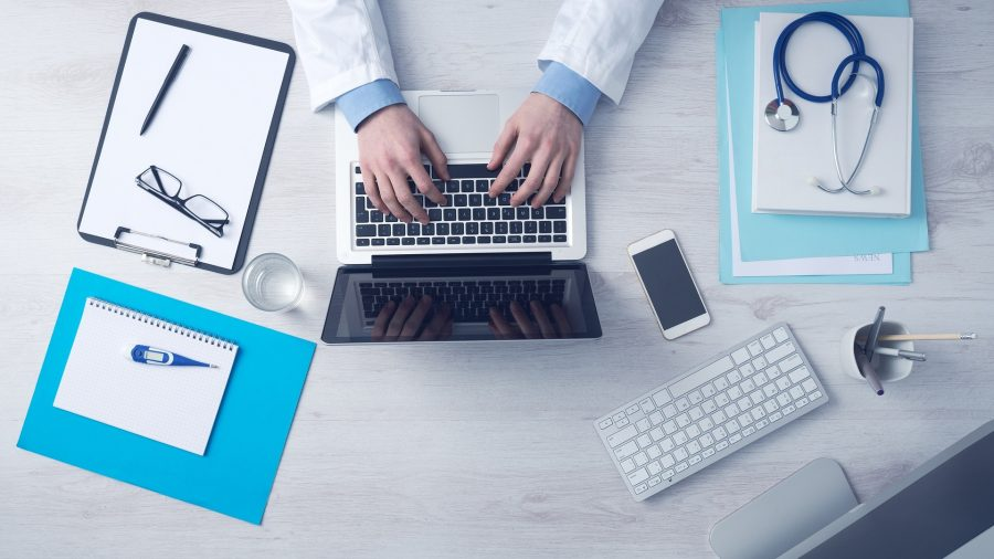 Doctor_working